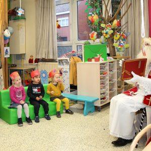 Sinterklaas op bezoek in de kleuterschool
